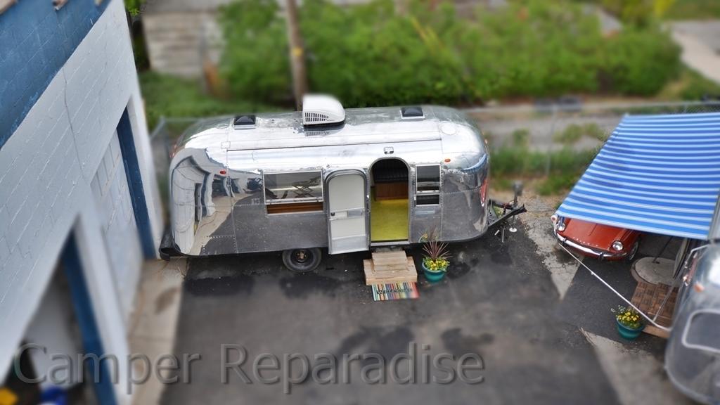 Airstream Safari.JPG