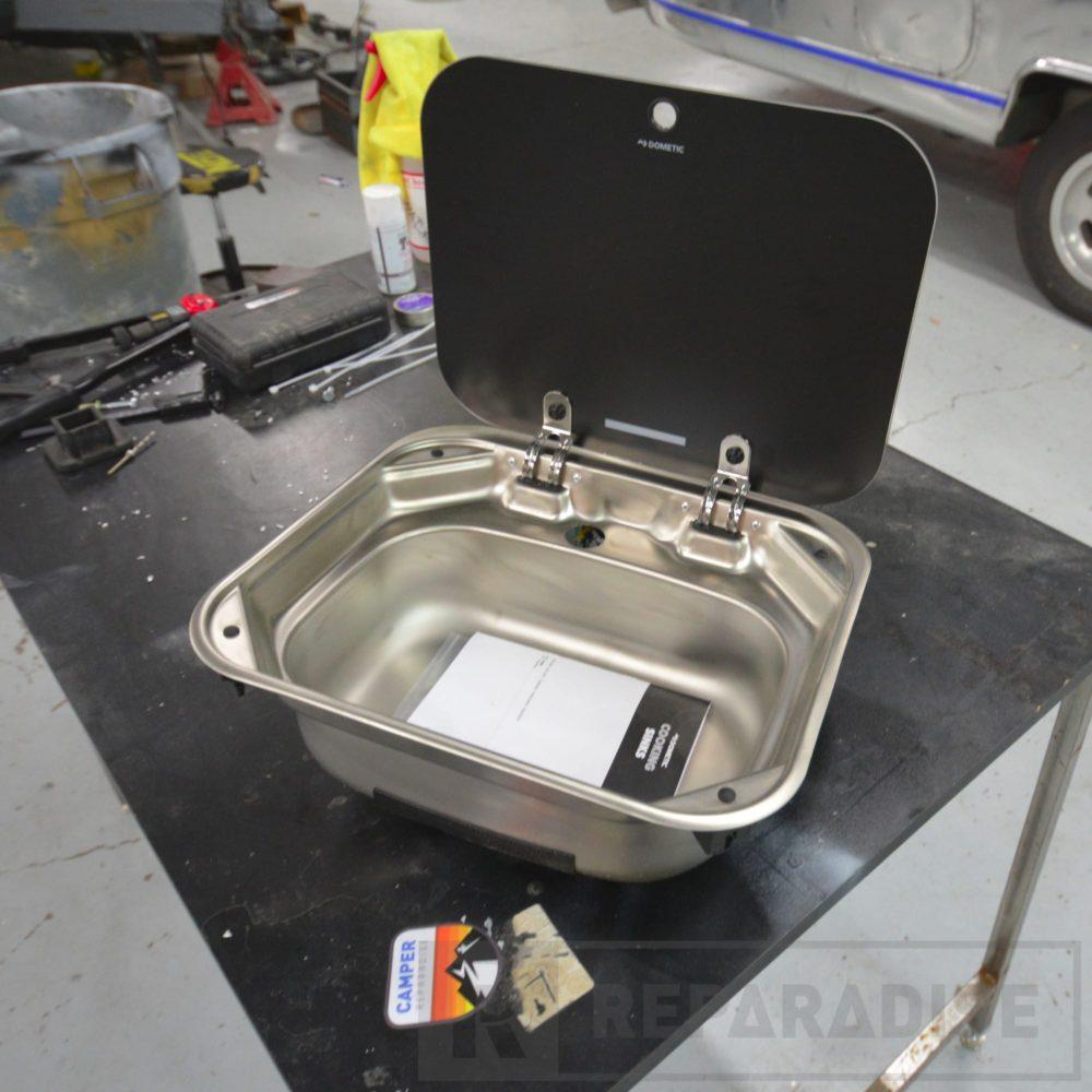 dometic-va8005-stainless-steel-sink-dsc_8784