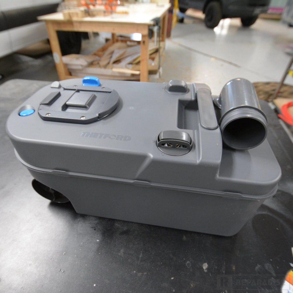 thetford-223-cs-cassette-toilet-dsc_9010