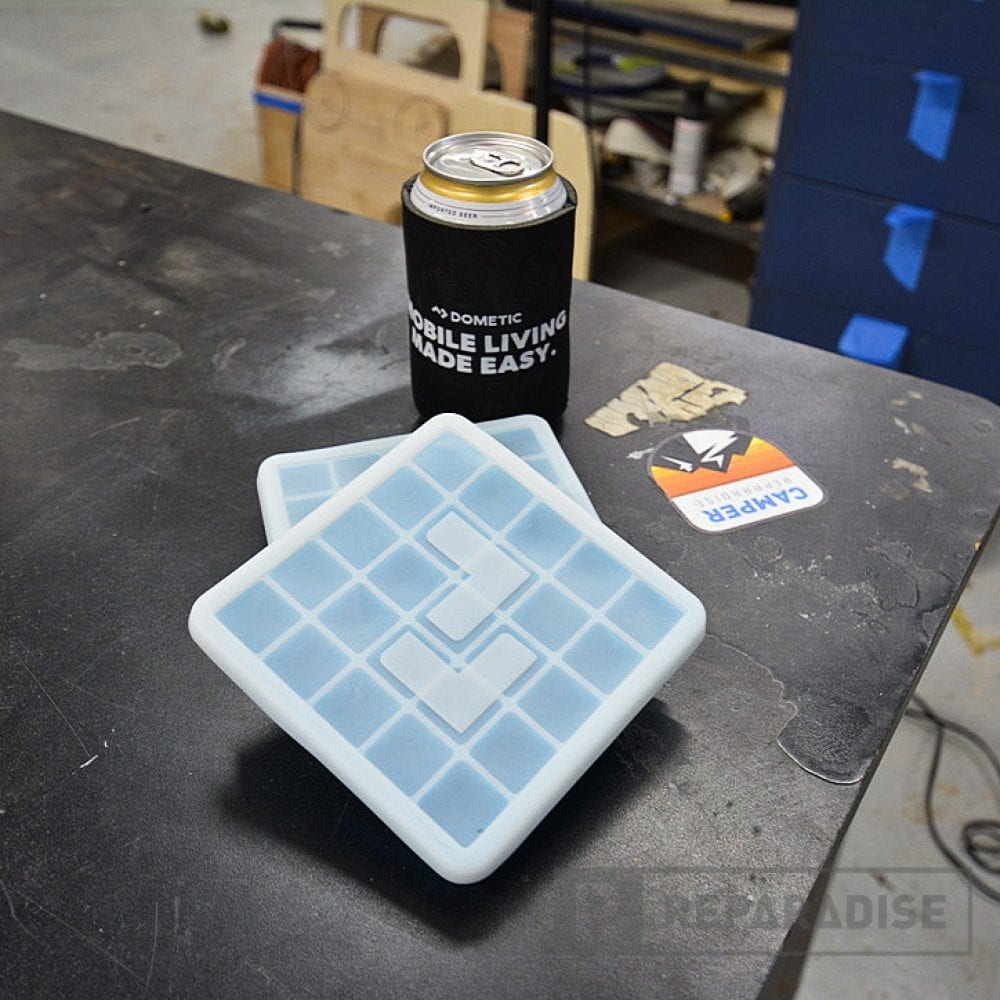 dometic-cooler-ice-trays