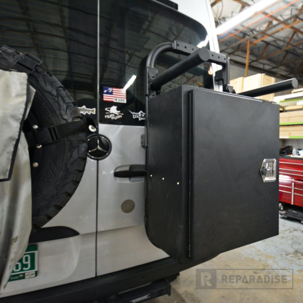 re_03917-b2-bike-and-box-carrier-installed-on-sprinter2